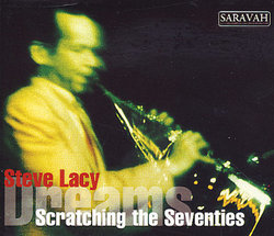 Lacy_scratching_1